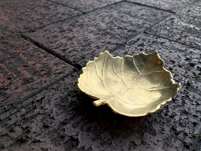 真鍮 トレー(Maple Leaf)  br31