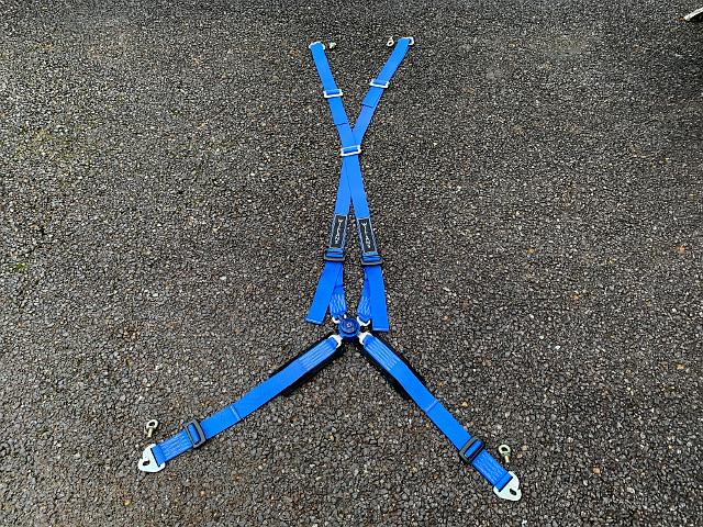 〔中古〕『WILLANS』 4点式シートベルト ブルー A1762