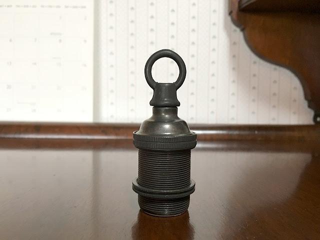 真鍮製 ブロンズ色 口金E17用ソケット (チェーン吊り用) Li77