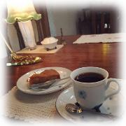 カフェ tea room チューダーローズ 愛知県 春日井市 アンティーク家具 輸入 イギリス 雑貨 インテリア